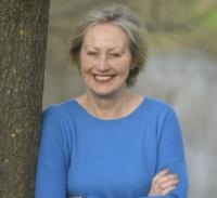 Dr Vivien Swanson